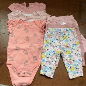 Lot of Carter's baby girl clothes (6pcs) 0-3m